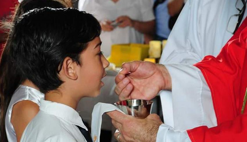 Hay esperanza de que los sacramentos puedan darse antes de que termine la pascua
