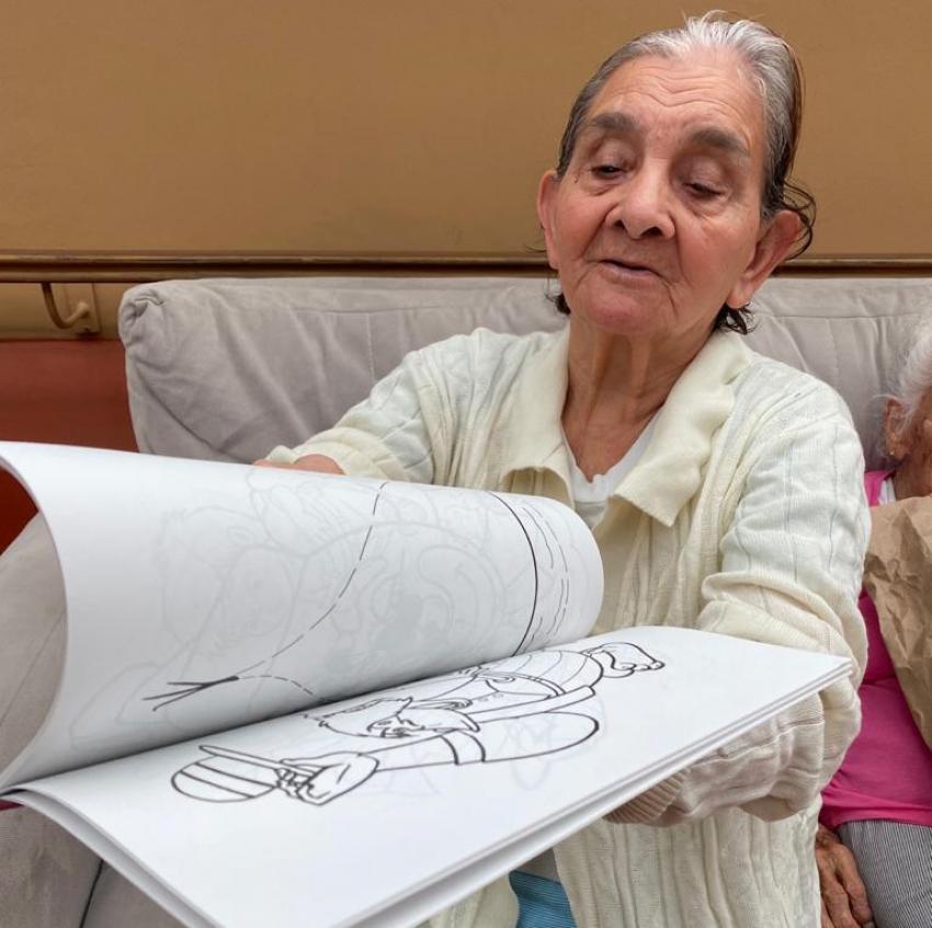 Iniciativa parroquial lleva alegría a los adultos mayores