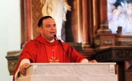 Mons. Blanco pide a Carlos Alvarado escuchar a los pescadores