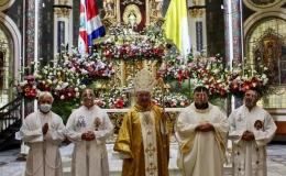 """Monseñor Buigues: """"Todos tenemos que ser solidarios""""."""