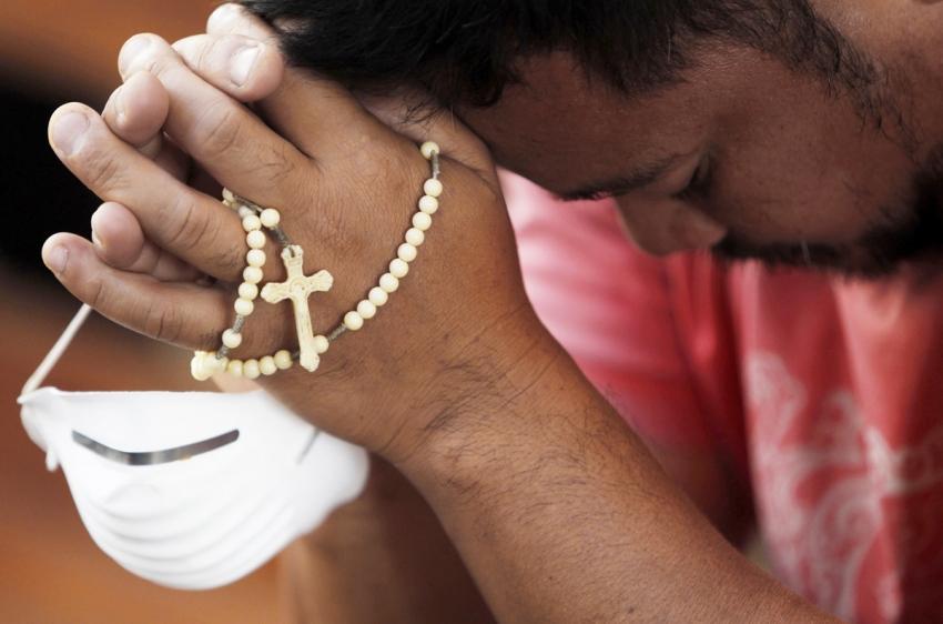 ¿Le cuesta rezar el Rosario?, aquí tiene algunos consejos