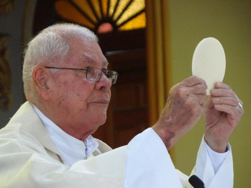 Monseñor José Rafael, Barquero de Dios