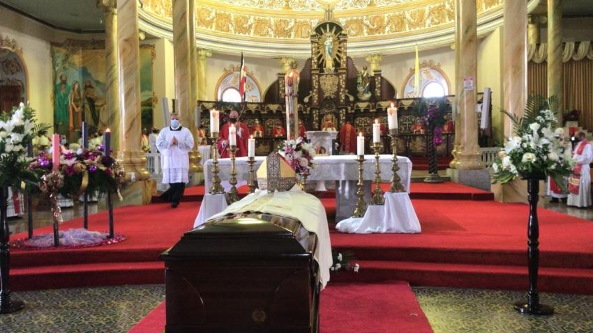 Sentido adiós a Monseñor Barquero: padre, amigo y pastor