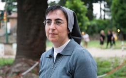 Papa Francisco nombra más mujeres