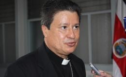 Arzobispo pide reunión al gobierno para exponer plan privado contra Covid-19